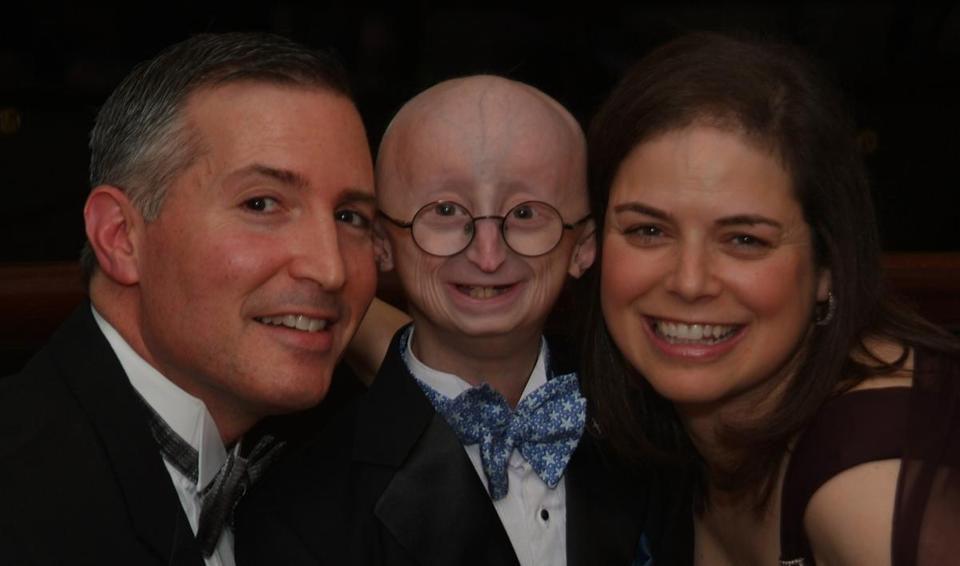Sam Berns with his parents, Scott Berns and Leslie Gordon.