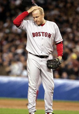 Former Red Sox righthander Curt Schilling blames 30 years of smokeless tobacco use on his cancer diagnosis.