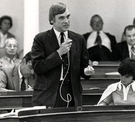 Representative Hoyt, a Democrat, spoke on the House floor in Montpelier in 1981. He had moved to Vermont in 1969.