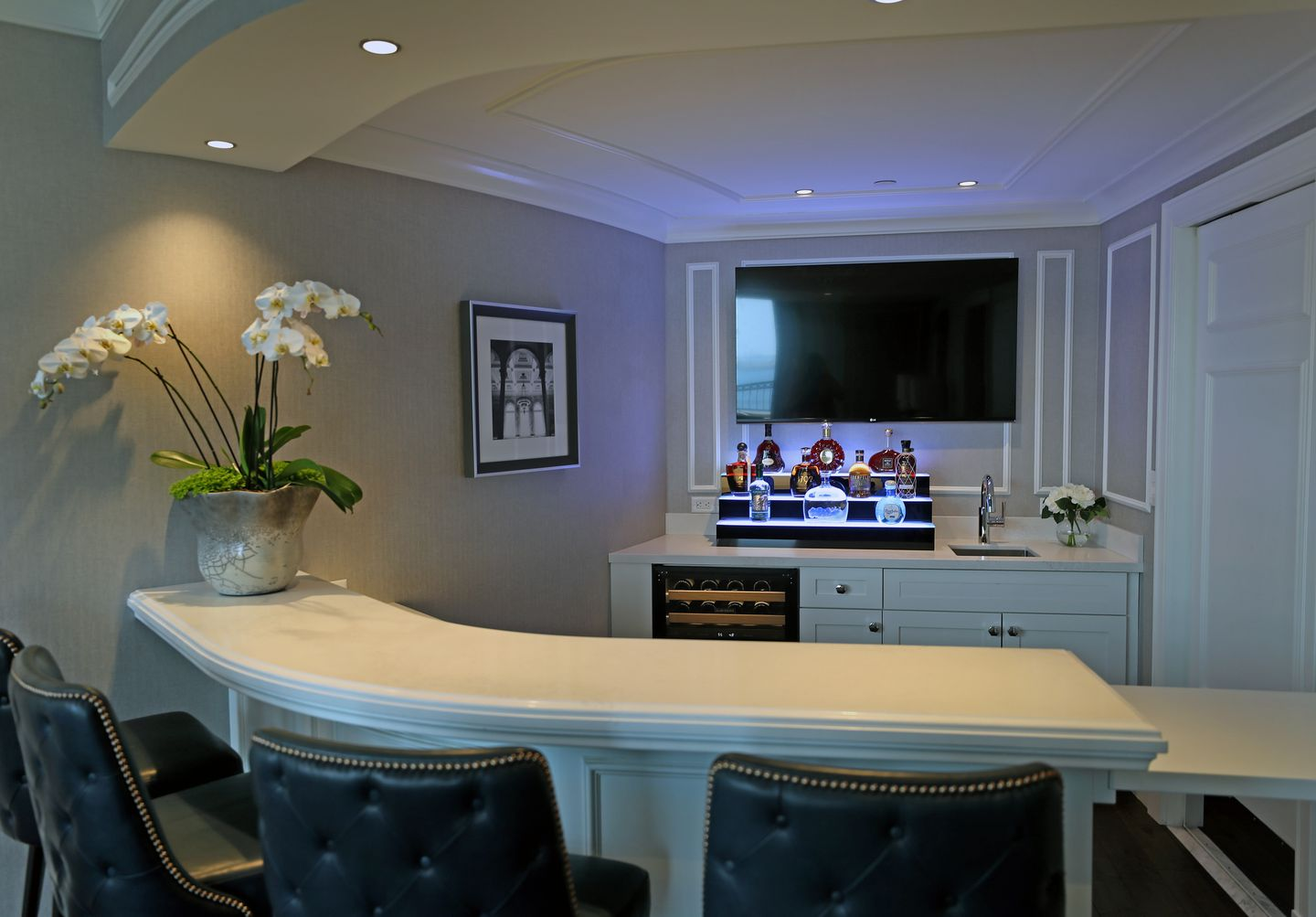 The private bar in hotel room.