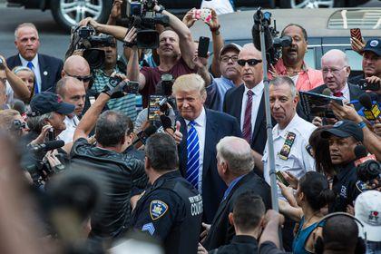 Trump reports for jury duty in New York - The Boston Globe