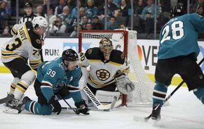 The Bruins And Sharks Two Of The Nhl S Hottest Teams Played A Wild
