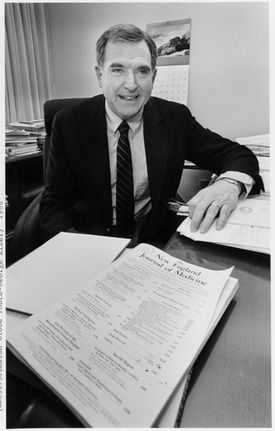 Dr. Arnold Relman in 1986.