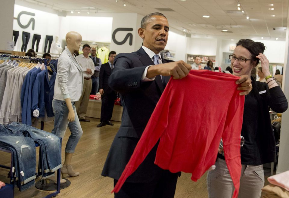 President Obama visited a Gap clothing store in New York City on Tuesday as part of his efforts to push his proposal to increase the minimum wage.