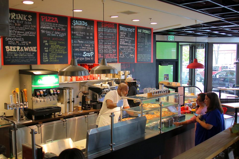 Roxbury's Dudley Dough, a pizza parlor associated with the nonprofit Haley House, is shutting its doors.