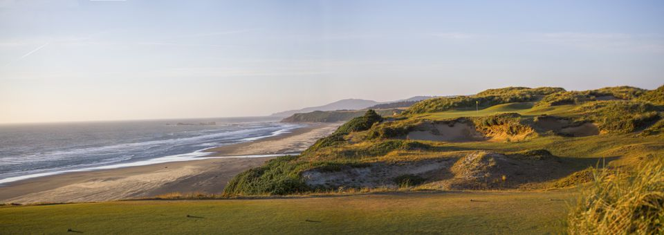 The 11th tee on Pacific Dunes, another of the four 18-hole links courses.