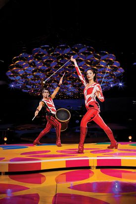 """Adriana Pegueroles and Luis Lopez in """"Saltimbanco,"""" a 20-year-old Cirque du Soleil show that the troupe is retiring."""