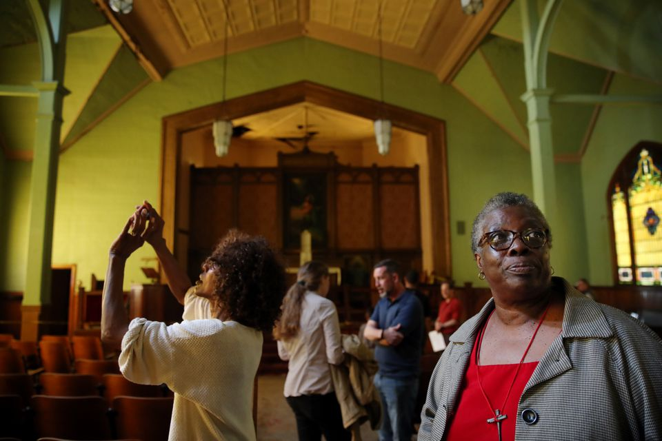Sisters Dorothy and Alcurtis Clark, right, checked out the interior.
