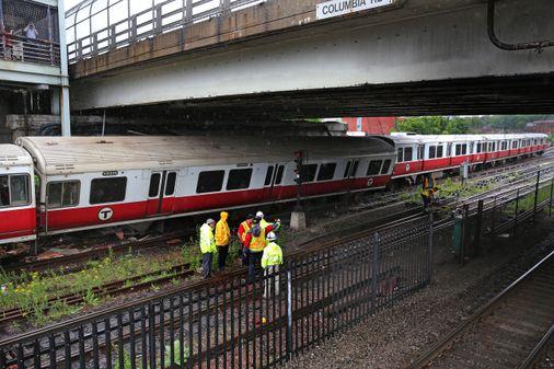 Second derailment in days sends T into chaos - The Boston Globe