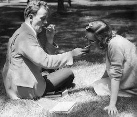 When cigaretteswere common: Harvard Summer School, 1940.