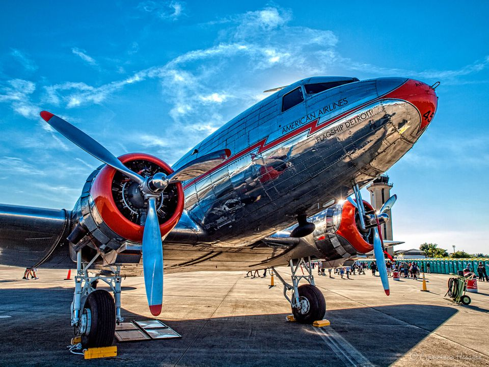 A Douglas DC-3 from the era of roomy cabins, attentive flight stewards, and air travel as a luxury.