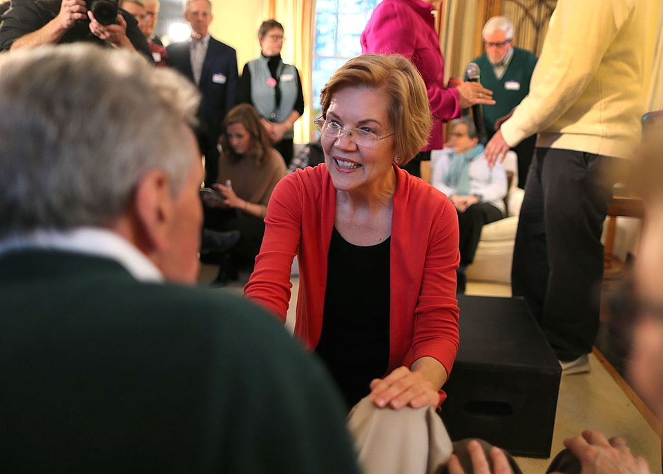 Senator Elizabeth Warren spoke to potential supporters Saturday in Concord, N.H., at the home of former state Senator Sylvia Larsen.