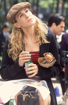 TELEVISION SHOWS 2001: Sarah Jessica Parker in the HBO television show 'Sex and the City.' PHOTO CREDIT -- Craig Blankenhorn/HBO --Original IPTC Information: Caption: Changed from no prior entry. OUTTAKe 03tvpregnant