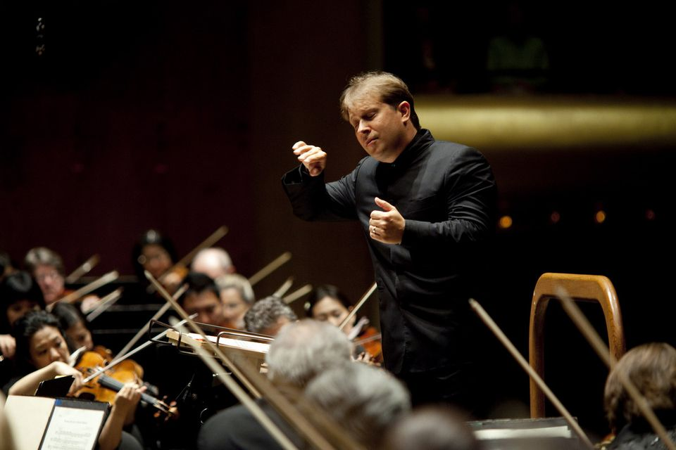 Onetime BSO assistant conductoLudovic Morlot (pictured conducting the New York Philharmonic in New York) now leads the Seattle Symphony.