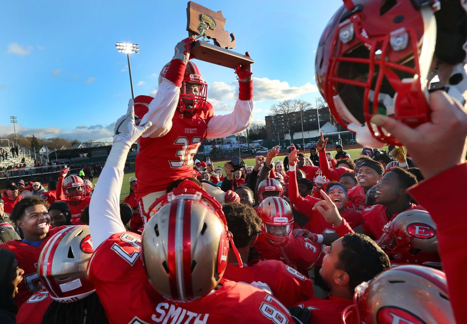 Everett captured the Division 1 state title this fall.
