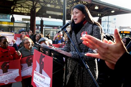 Teachers push for more student services at rally - The Boston Globe