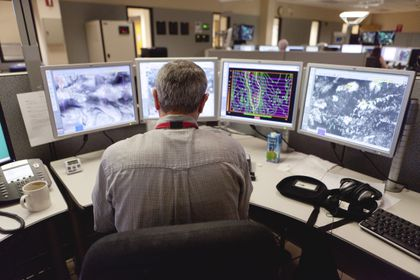Snow and stress: Tracking the storm with no paycheck - The