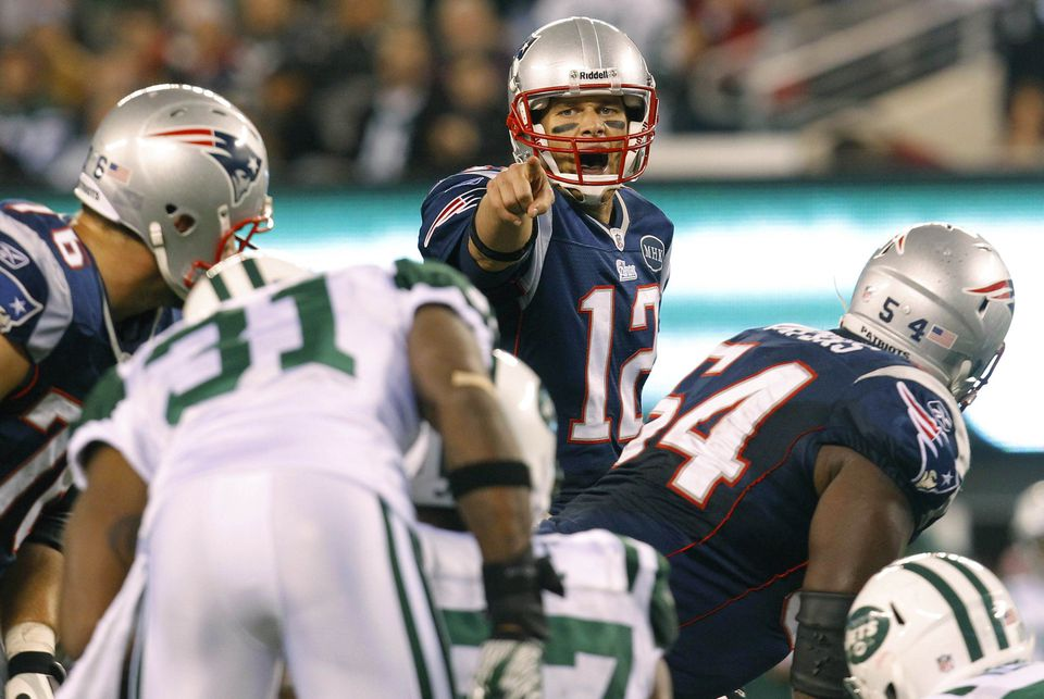 Tom Brady directed two touchdown drives when the Patriots went to the no-huddle offense in the second half against the Jets last Sunday.