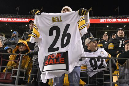 185a89da6fb Le'Veon Bell refuses to sign tender, will not play this season - The ...