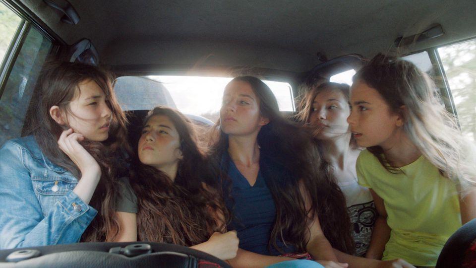 "Tugba Sunguroglu, Doga Zeynep Doguslu, Elit Iscan, Ilayda Akdogan, and Günes Sensoy in ""Mustang."""