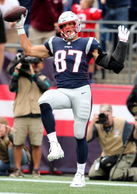 Rob Gronkowski celebrated after his 21-yard TD reception in the first quarter.