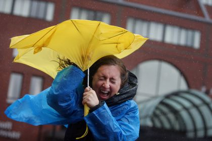 Nor'easter hits New England, causing flooding and some power outages