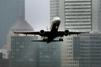 Noise worry holds up Logan flight path plans - The Boston Globe