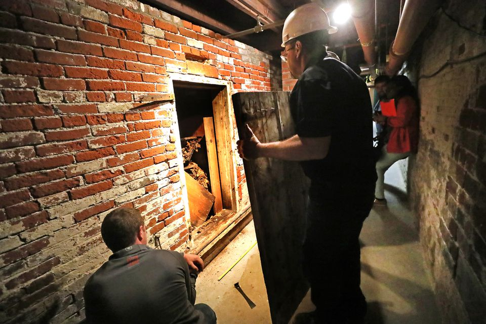The Old North Church opened up a 200-year-old tomb in its crypt as part of preparations for renovating the crypt for tourists.