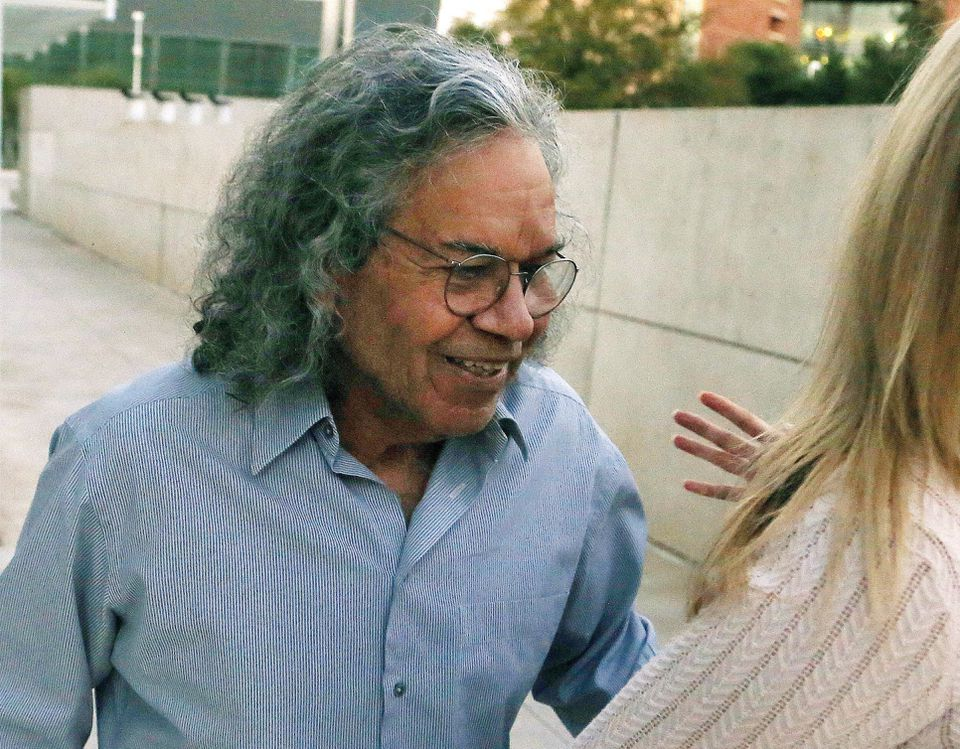 Insys Therapeutics founder John Kapoor left US District Court in Phoenix in 2017.