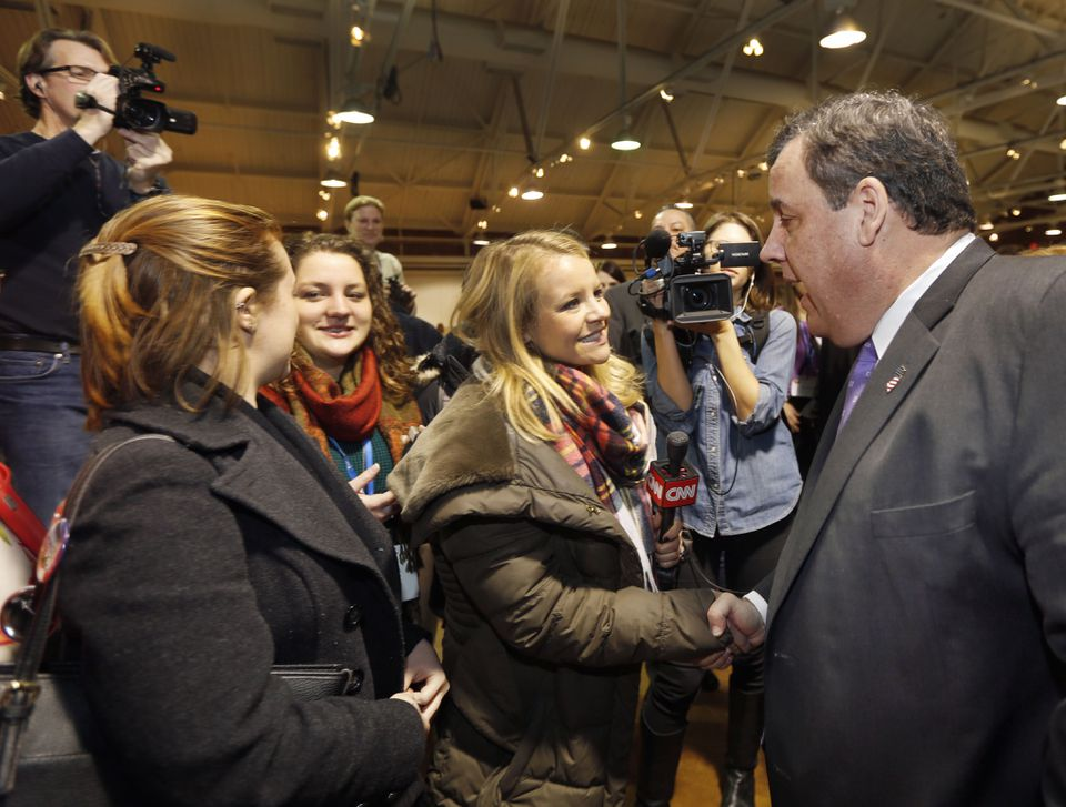 New Jersey Governor Chris Christie shook hands at the New Hampshire Primary Student Convention last week.