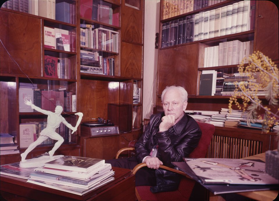 Leonid Yakobson in his study in Russia, around 1971.
