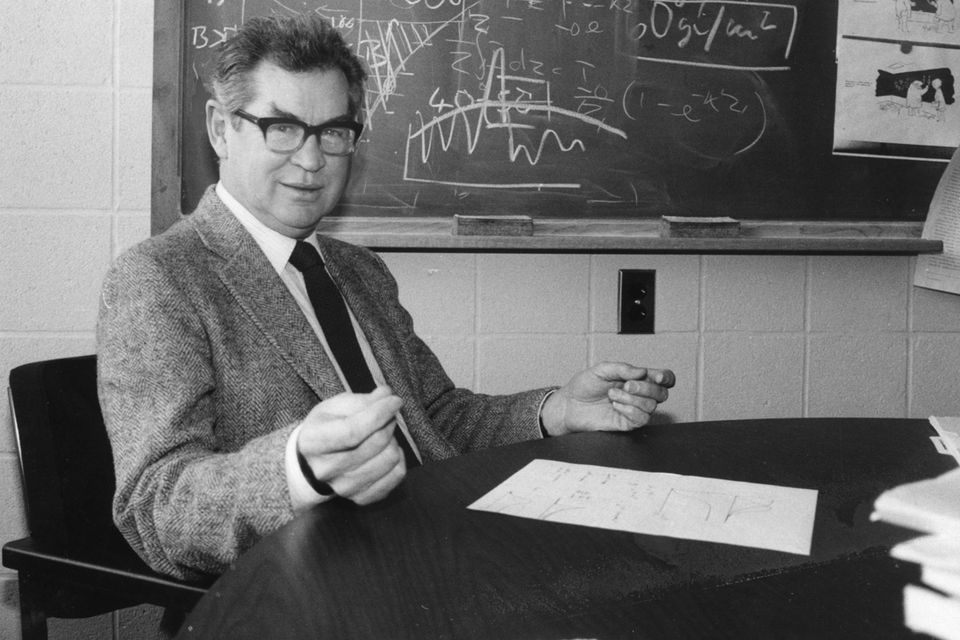 John H. Steele was praised for adroitly applying his skills as a mathematician to the study of marine ecosystems.
