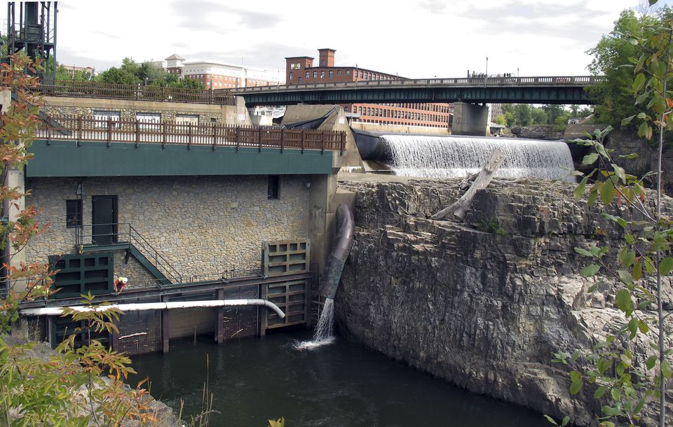 Burlington's Electric Department purchased the 7.4 megawatt Winooski 1 hydroelectric facility on the Winooski River.