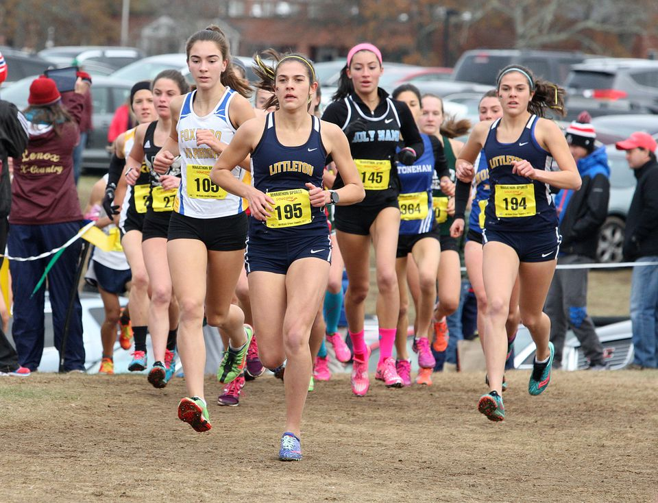 Sarah Roffman used a strong finishing kick to win the D2 race.