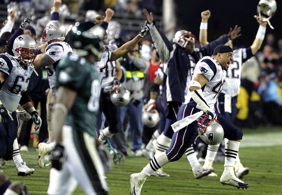The victorious Patriots celebrate after beating the Eagles in Jacksonville, Fla., in 2005.