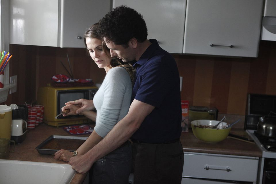"""Keri Russell and Matthew Rhys play KGB agents in Reagan-era Washington in FX's new series """"The Americans."""""""