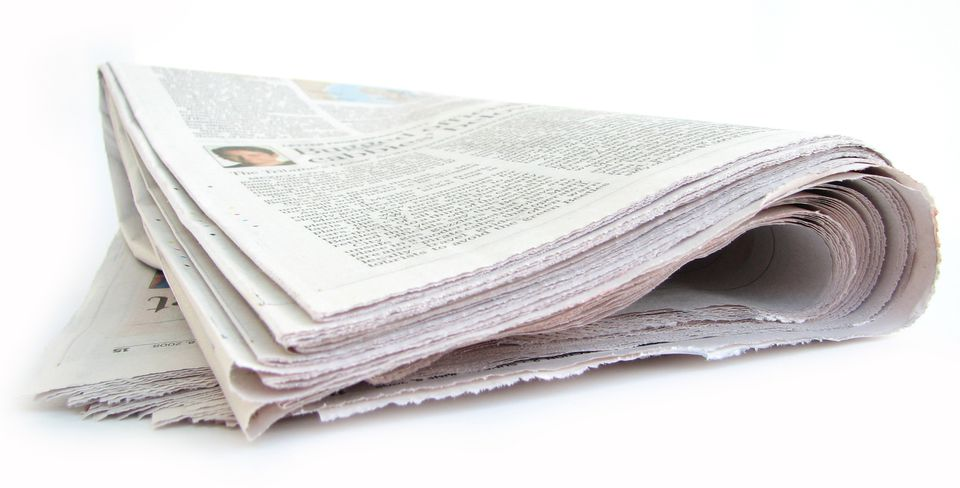 When a local newspaper dies, does it mean voters in the area become more partisan, taking their cues from national news?