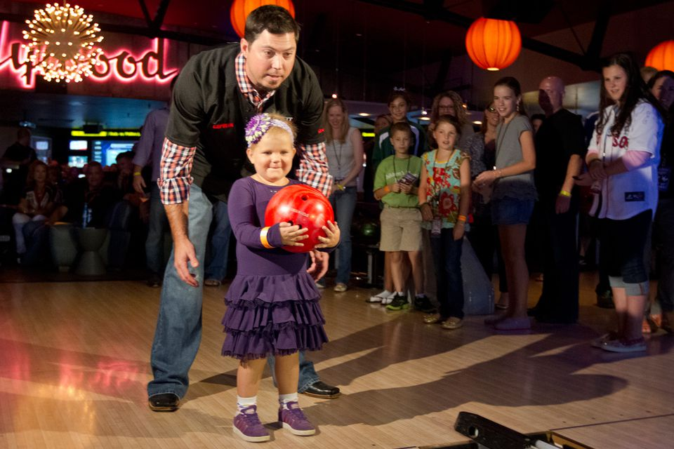 Josh Beckett rolled the first ball with 5-year-old Phoebe Davis at the sixth annual Beckett Bowl at Jillian's Lucky Strikes Lanes in Boston. The bowl benefits Children's Hospital. But just 37 cents of every dollar raised by his charitable foundation went toward its mission.
