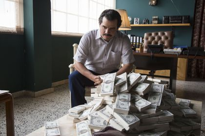 Netflix's electrifying 'Narcos' and the war on drugs - The Boston Globe