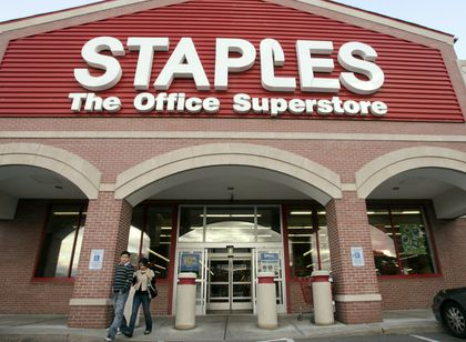 Staples reportedly laying off hundreds, but stays mum - The
