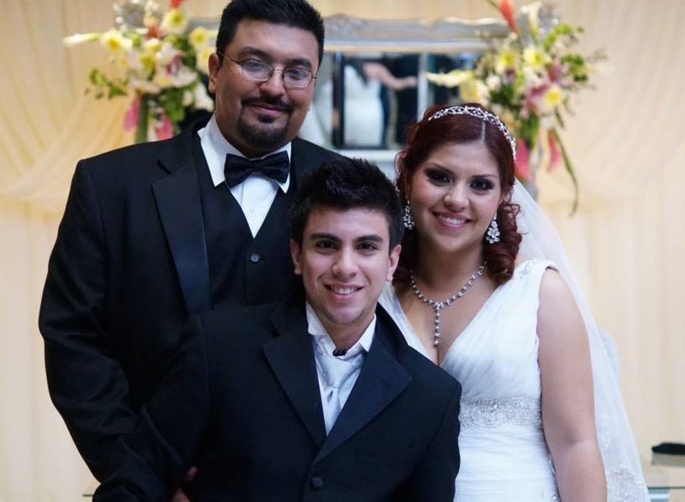 Martin Castillo and Jessica Garza said Jessica lost her ring while they were scuba diving during their honeymoon.