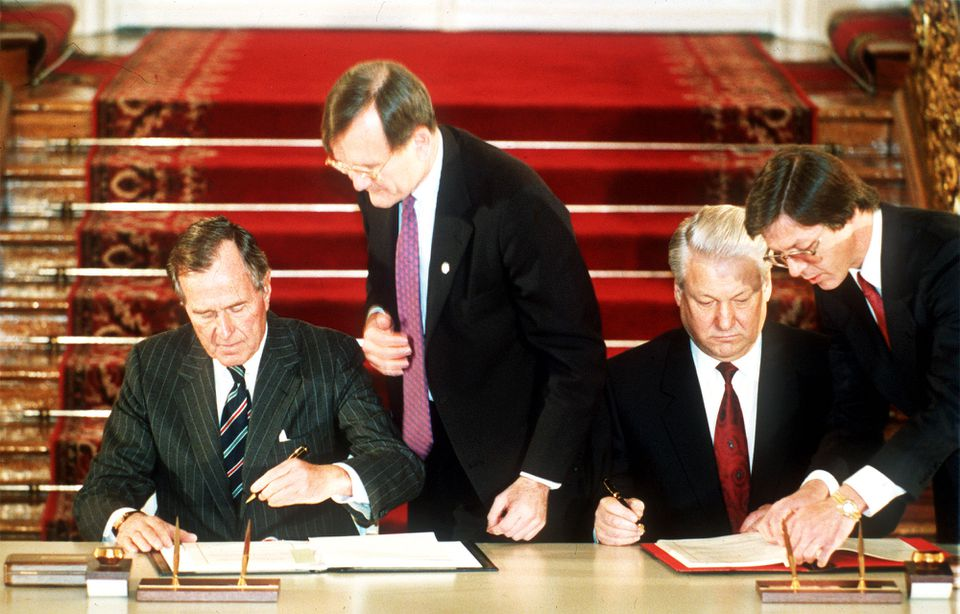 President George H.W. Bush and Russian President Boris Yeltsin signed the START II treaty in Moscow in January 1993.