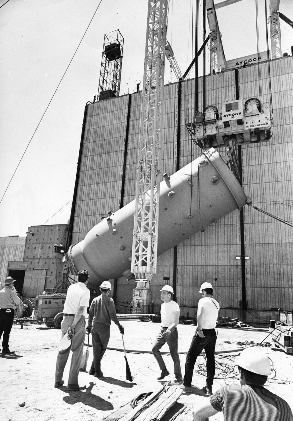 Pilgrim's 512-ton nuclear reactor is hoisted in May 1970.