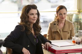 """Lauren Graham (left) and Alexis Bledel in """"Gilmore Girls: A Year In The Life,"""" premiering Friday on Netflix."""