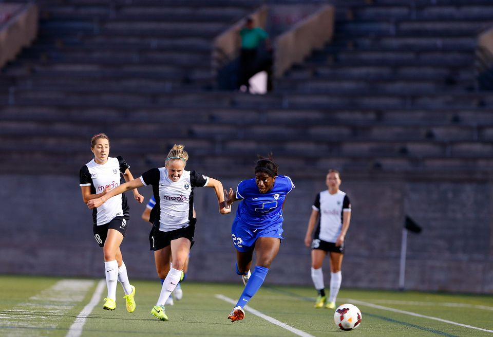 """""""The challenge for light beer was to create a distinctive value for the product. That is to some degree the  challenge for women's sports,""""  says MIT Sloan's  David Schmittlein. Pictured, Boston Breakers-Seattle Reign game."""