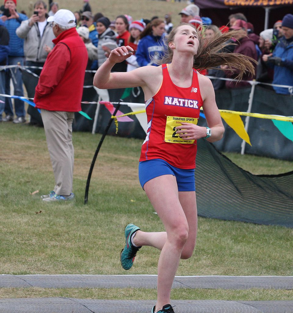 Grace Connolly  won the Division 1 race in 17 minutes, 50.18 seconds.