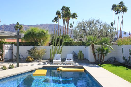 Midcentury Haven Palm Springs Comes Back To Life The