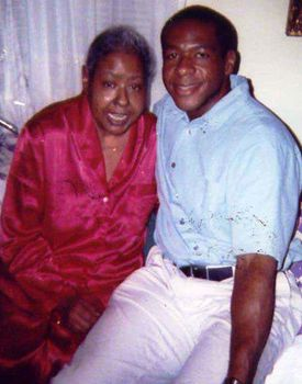 Marie Evans, who died in 2002, with her son, Willie. She received cigarette samples as a child and became addicted.