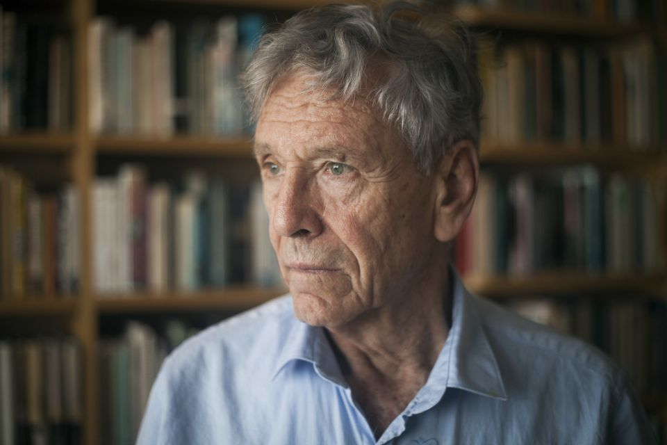 Mr. Oz was one of Israel's most widely acclaimed writers and a preeminent voice in its embattled peace movement.