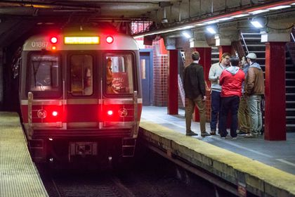 134 more Red Line cars OK'd